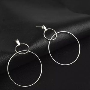 NWT Silver Circle Earrings